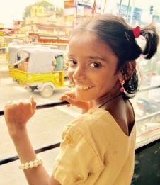 Portrait de Sathiya, en route pour une excursion