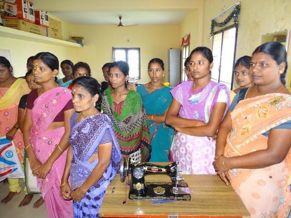 Dans l'atelier de formation à la couture au Shanti Children's Home