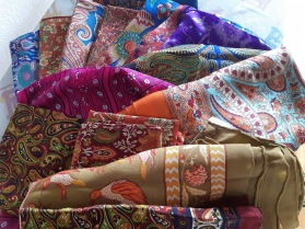 Foulard differents coloris et motifs