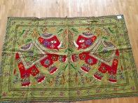 Tissu deux elephant (vert et rouge)