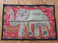 Tissu un elephant blanc